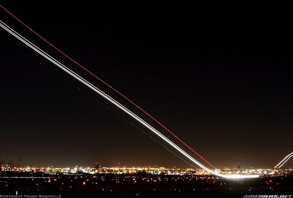 Airliner_Takeoff_01.jpg