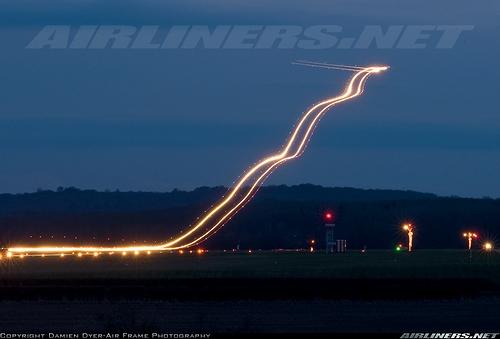 Airliner_Takeoff_02.jpg