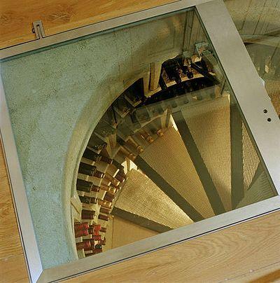 Spiral_Wine_Cellars_03.jpg