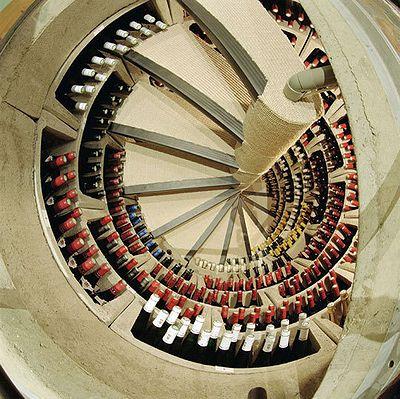 Spiral_Wine_Cellars_04.jpg