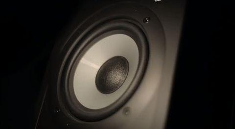 Weird_Speaker_Effect.jpg