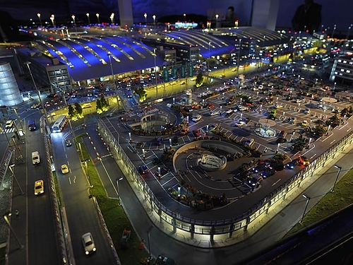 amazing_model_airport_01.jpg