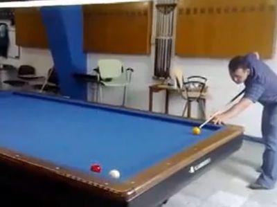 amazing_pool_trick.jpg