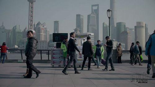 Walk_in_Shanghai.jpg