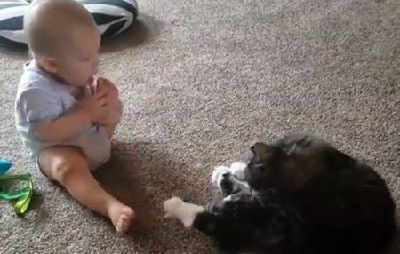 baby_lick_him_toes.jpg