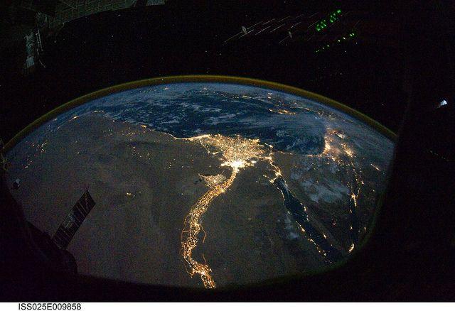 earth_lighting_02.jpg