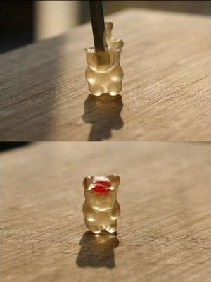 gummi_bear_surgery_05.jpg