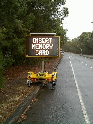 insert_memory_card_05.jpg