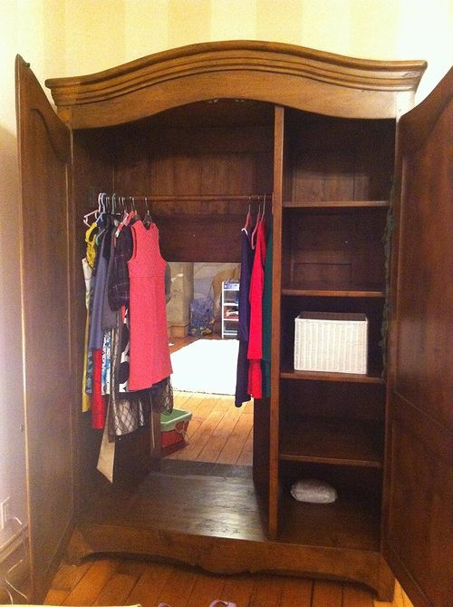 old_wardrobe_02.jpg