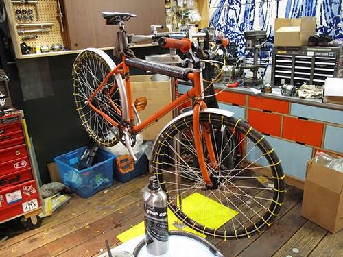 自転車のタイヤを安価で簡単に ...