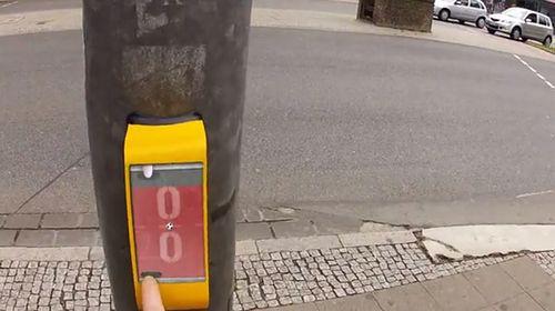http://naglly.com/streetpong_01.jpg