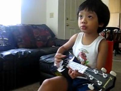 ukulele_with_lance.jpg