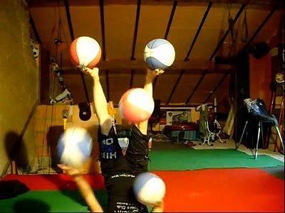 5ball_Juggling.jpg