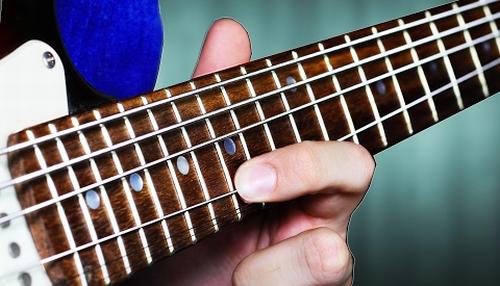 ギターでドレミファソラシドの音階を弾い ...