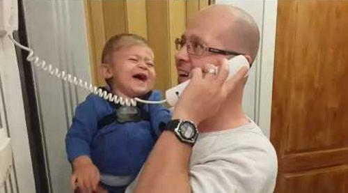 Baby_Laughing_when_dad.jpg