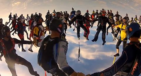 Vertical_Skydiving_World_Record_2012.jpg