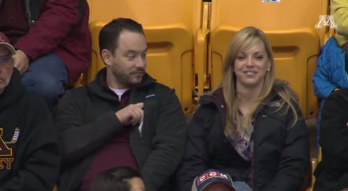Guy_Pulls_Out_Sign_on_Gophers_Kiss_Cam.jpg