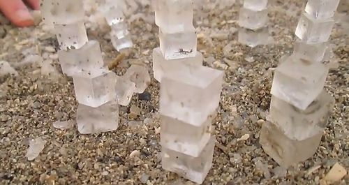 salt_cubes_formed_in_the_Dead_Sea.jpg