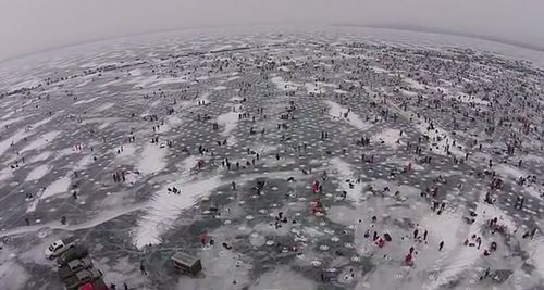 Largest_charitable_Ice_fishing_contest.jpg