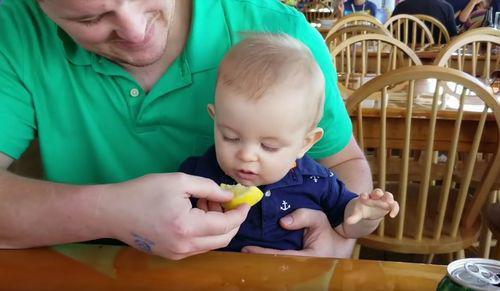 Hudson_tries_his_first_lemon.jpg