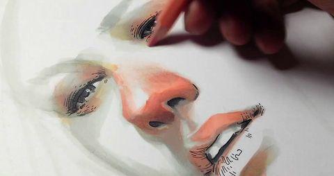 美しい女性のイラストが描き出されていく過程を微速度撮影映像で