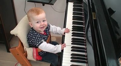 one_year_old_piano_concert.jpg